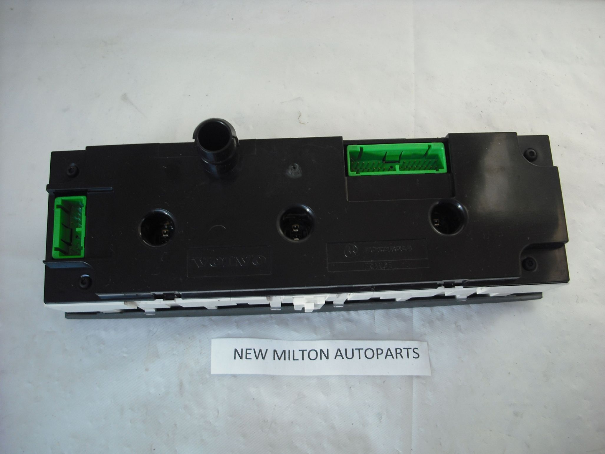 SORRY OUT OF STOCK ............ VOLVO V40 S40 A C HEATER CONTROL ...